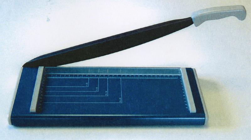 Trituradoras de papel de escritorio guillotinas de for Guillotina oficina